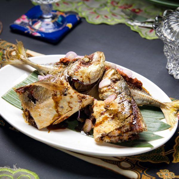 Ikan Goreng Sumbat Sambal Belachan